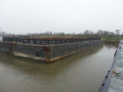 Jumbo Hopper Barge